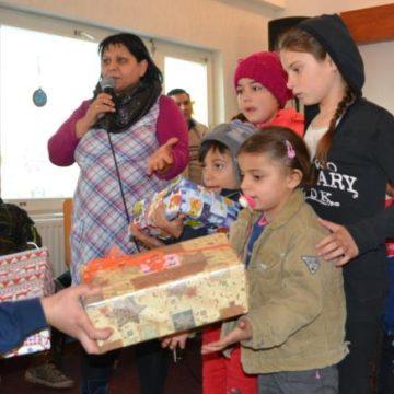 Über 500 Weihnachtspäckchen brachten Kinder zum strahlen