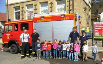 Erlebnisreicher Vormittag mit der Feuerwehr